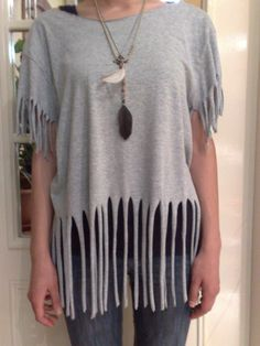 T Shirt Recon (Fringes)  •  Free tutorial with pictures on how to make a fringed top in under 45 minutes