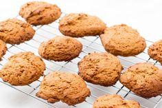 Page 10 - Desserts Biscuit Bread, Biscuit Cookies, Desserts With Biscuits, Cookie Desserts, Oatmeal Cookie Recipes, Oatmeal Cookies, Best Christmas Recipes, Canadian Food, Raisin Cookies