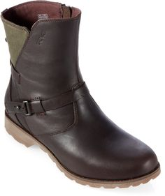 Great ankle boots for fall.