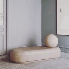 All about balance  Rg @t_o_o_g_o_o_d #RolyPolydaybed by #FayeToogood for @studioolivergustav #interiordesign #architecture #3615MaisonNue