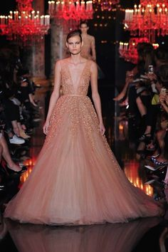 Foto ESCH2014 - Elie Saab Couture Herfst 2014 (1) - Shows - Fashion - VOGUE Nederland
