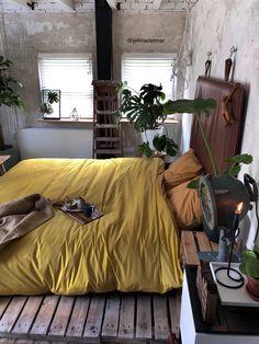 Interior Living Room Design Trends for 2019 - Interior Design Cozy Bedroom, Bedroom Decor, Bedroom Ideas, Bedroom Designs, Modern Bedroom, Bedding Decor, Decor Pillows, Minimalist Bedroom, Bedroom Bed