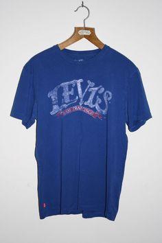 Vintage Levis Strauss Mens T-shirt Size M Blue Graphic Fashion Designer Worn