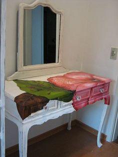 Argina-Seixas-paints-furniture-5.jpg (375×500)