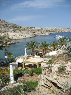 Herbronnen in Kalithea>Lydia Olefs >Rhodos by Thomas Cook Belgium, via… Places To See, Places Ive Been, Corfu, Greek Islands, Rhode Island, Best Hotels, Athens, Belgium, Spaces