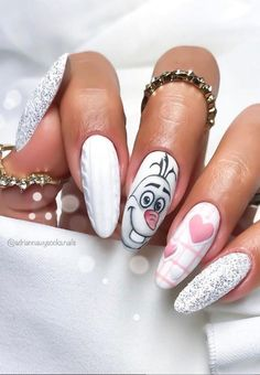 Nail art Christmas - the festive spirit on the nails. Over 70 creative ideas and tutorials - My Nails Disney Acrylic Nails, Disney Nails, Best Acrylic Nails, Disney Christmas Nails, Cute Nails, Pretty Nails, Nagellack Design, Xmas Nails, Valentine Nails
