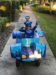 Excited to share the latest addition to my shop: PJ Masks Cardboard Cat Car Wagon Cover Pj Mask Cupcakes, Unicorn Cupcakes, Family Costumes For 3, Family Halloween Costumes, Barbie Birthday, Boy Birthday Parties, 4th Birthday, Birthday Ideas, Baby Girl Halloween