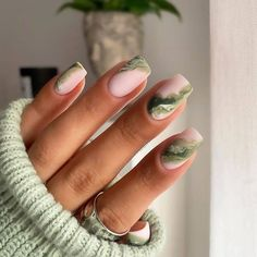 The season of pumpkin spice lattes, scary movies and fall decorations is here. Fall is my absolute favourite season. Marble Acrylic Nails, Almond Acrylic Nails, Square Acrylic Nails, Marbled Nails, Almond Nails, Nail Swag, Chic Nails, Stylish Nails, Nail Design Stiletto