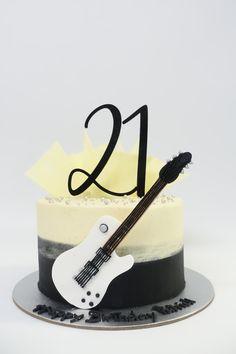 Guitar Birthday Cakes, Cute Birthday Cakes, Beautiful Birthday Cakes, Guitar Cupcakes, Guitar Cake, Music Cookies, Cake Cookies, Fondant Cakes, Cupcake Cakes