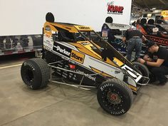View 2017 Chili Bowl results from January 2017 below. This is the first night of racing action at the Chili Bowl Nationals in Tulsa, Oklahoma. Sprint Cars, Race Cars, Dirt Racing, Auto Racing, Racing News, Dirt Track, Cool Cars, Toyota, Kyle Larson