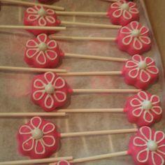 Strawberry flower cake pops Cake Cookies, Cupcake Cakes, Cupcakes, Flower Cake Pops, Lego Friends Party, Strawberry Flower, Girly Cakes, Power Pop, 2nd Birthday