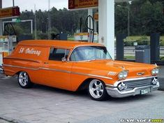 58 sedan delivery except mine had cheater slicks and slot dish and black wrinkle paint top American Classic Cars, Classic Trucks, Big Trucks, Chevy Trucks, 1958 Chevy Impala, Chevrolet Sedan, Station Wagon Cars, Old Wagons, Panel Truck