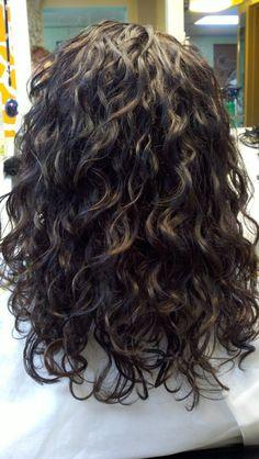 Curly hair ideas – Hairstyles For All Curly Hair Routine, Curly Hair Tips, Long Curly Hair, Wavy Hair, Curly Hair Styles, Perm Hair, Curly Girl, Brown Hair Perm, Wavy Perm