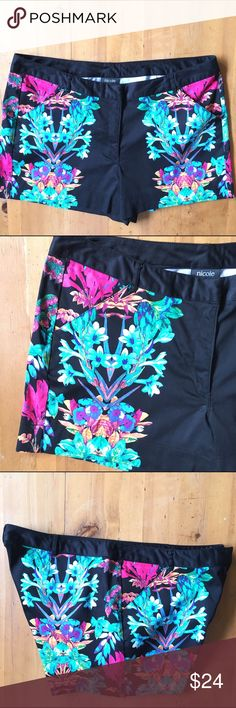 Nicole by Nicole Miller Shorts Excellent condition size 14 black with wonderful pop of color 18 in waist 15 in long 3 in inseam two front pockets 97% cotton 3% spandex Nicole Miller Shorts