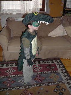 Dönci - saját készítésű játékok, ajándékok: Egy krokodil.... farsangi jelmez készítés