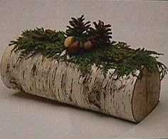 Each kind of wood you use for your Yule log has a different symbolism Woodland Christmas, Christmas Holidays, Christmas Crafts, Merry Christmas, Xmas, Log Centerpieces, Christmas Centerpieces, Yule Decorations, Christmas Decorations