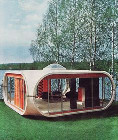"vintagegeekculture: ""Space age home. "" vintagegeekculture: ""Space age home. Futuristic Home, Futuristic Architecture, 1970s Architecture, Trailer Casa, Architecture Design, Modernisme, Unusual Homes, Lake Cabins, Googie"