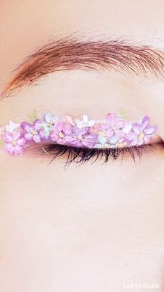 76 Artistic Flowerish Eye Makeup You Can Try - Makeup Looks Celebrity Cool Makeup Looks, Creative Makeup Looks, Unique Makeup, Crazy Makeup, Colorful Makeup, Flower Makeup, Fairy Makeup, Mermaid Makeup, Make Up Looks