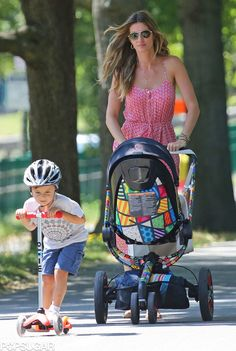 Gisele Bundchen with her little ones pushing her Quinny Moodd by Britto!