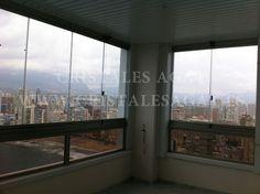 Cortinas de cristal en torres gemelos 28 planta 9. Llama nos 966 28 28 13. Correo info@cristalesagat.es. http://www.cristalesagat.es