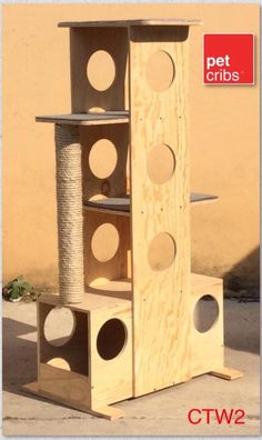 Torre Dresden $2990 Altura 125 cm, base 80x40 cm Poste rascador de 80 cm Alfombra en cada cubo. Fabricada en pino al natural.