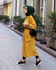 Ig: busra_guneyy eeee, 2019 mode hijab, robe hijab ve mode i Modern Hijab Fashion, Street Hijab Fashion, Hijab Fashion Inspiration, Islamic Fashion, Abaya Fashion, Muslim Fashion, Modest Fashion, Girl Fashion, Fashion Outfits