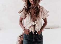 We love a cute denim skirt, and this boho style is one of our favorite denim skirt outfits! Spring Summer Fashion, Spring Outfits, Trendy Outfits, Cute Outfits, Fashion Outfits, Outfit Summer, Casual Summer Outfits Women, Casual Summer Clothes, Spring Break