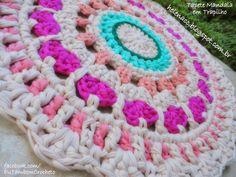EU TAMBÉM CROCHETO...: Tapete Mandala Pequenos Corações em Trapilho
