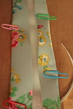 Tute for sewing oilcloth - paper clips could also work well for making bias tape