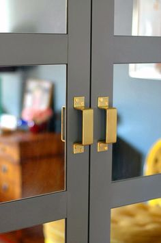 Stylish and affordable brass hardware is surprisingly hard to find. Luckily, home-improvement-store options are easy to transform with metallic spray paint.  Source: Little Green Notebook