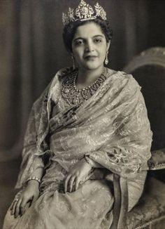 Princess Rafat Zamani Begum - or Bari (senior) Begum Sahiba of Rampur, formerly of the Najiabad family. Photographed by Kinsey Studios of Delhi in 1960. Courtesy MAP/Tasveer