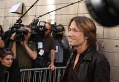 Keith Urban arrives at the New York auditions of AMERICAN IDOL. #idol #JudgeKeith #KeithUrban #IdolKU