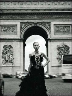 65 Chic Parisian Fashion Editorials - From Haute Parisian Touristorials to Pond-Emerging Pictorials