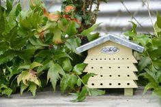 Best for Birds Bijenhuis hout Bee House, Esschert Design, Bee Keeping, Pet Care, Vegetable Garden, Birds, Outdoor Decor, Home Decor, Beehive