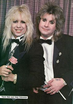 Vince Neil (The Mötley Crue) with Ozzy Osbourne (The Black Sabbath). 80s Metal Bands, 80s Hair Metal, Hair Metal Bands, 80s Hair Bands, Freddie Mercury, Rock Star Hair, Vince Neil, Glam Metal, Heavy Rock