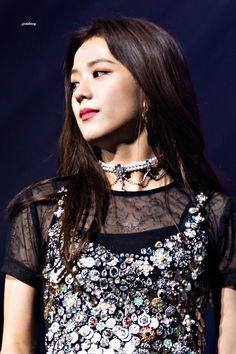 Your source of news on YG's biggest girl group, BLACKPINK! Kpop Girl Groups, Korean Girl Groups, Kpop Girls, Jennie, Blackpink Jisoo, Beautiful Asian Girls, Woman Crush, Korean Singer, South Korean Girls