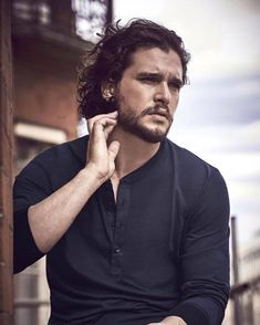 Oh kit Harrington 😍😍😍 Kit Harrington, John Snow, Jon Schnee, Kit And Emilia, Hbo Got, Beautiful Men, Beautiful People, Jon Bernthal, Richard Madden