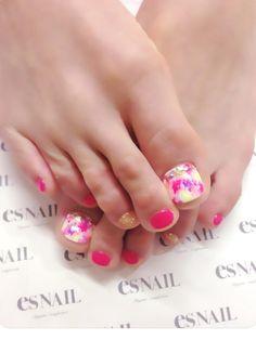 neon foot nail