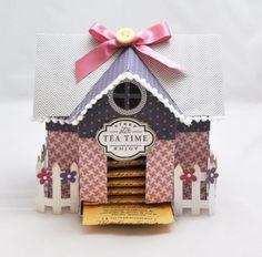 Tee-Haus-Box von CardsandMoorebyTerri auf Etsy