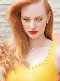 Deborah Ann Woll bu Aleksandar Tomovic for Bello