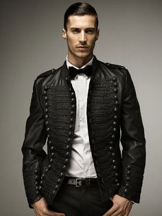 Really cool jacket. Has that Mariachi look to it.
