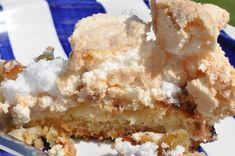Rabarberkage med marengs – smagen af sommer Sweet Nothings, I Love Food, Apple Pie, Muffins, Dessert Recipes, Food And Drink, Favorite Recipes, Cooking, Summer Recipes