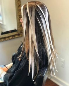 What is the Difference Between Balayage and Ombre? The Difference Between Balayage and Ombre (Defini Ombre Hair Color, Hair Color Balayage, Hair Highlights, Balayage Bob, Balayage Hair How To, How To Ombre Hair, Foil Hair Color, Diy Balayage At Home, Balyage Long Hair