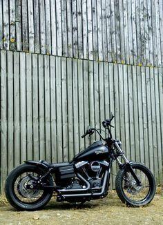 Custom Harley Davidson Dyna Street Bob, Voodoo Fender, LOW BOB | Rocket Bobs