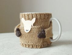Kangaroo Mug Sweater, in Camel op Etsy, $19.50