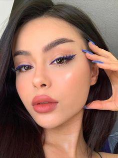 Soft Eye Makeup, Makeup For Brown Eyes, Skin Makeup, Natural Makeup, Makeup Brushes, Beauty Makeup, Face Roller, Holiday Makeup Looks, Grunge Makeup