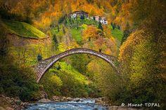 Yeşiltepe Köprüsü Rize Çayeli Senoz vadisi üzerinde.