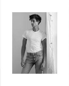 Ethan James Green in classic Calvin Klein denim. #MYCALVINS Skinny Fit, Skinny Legs, My Calvins, Calvin Klein Jeans, Modern Classic, Denim Jeans, Fitness, Mens Tops, How To Wear