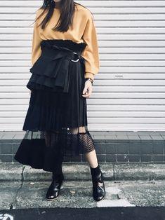 コレクションピースのスカートを、普段のスタイリングに取り入れてみました👏 このスカート、とにかく絶