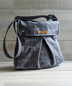 Canvas Bags – Waxed Canvas Modular Messenger in Grey / Gray – a unique product by bayanhippo on DaWanda